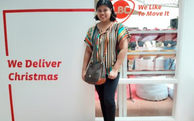 LBC delivers Christmas gift box in SM Mall of Asia